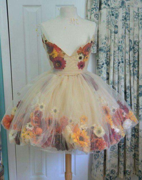 Bild über We Heart It https://weheartit.com/entry/166159749 #dress #flowers…