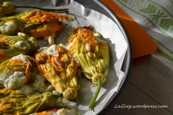 Zucchini blossoms filled with ricotta cheese - Marche - Italy - recipe by lagreg.wordpress.com