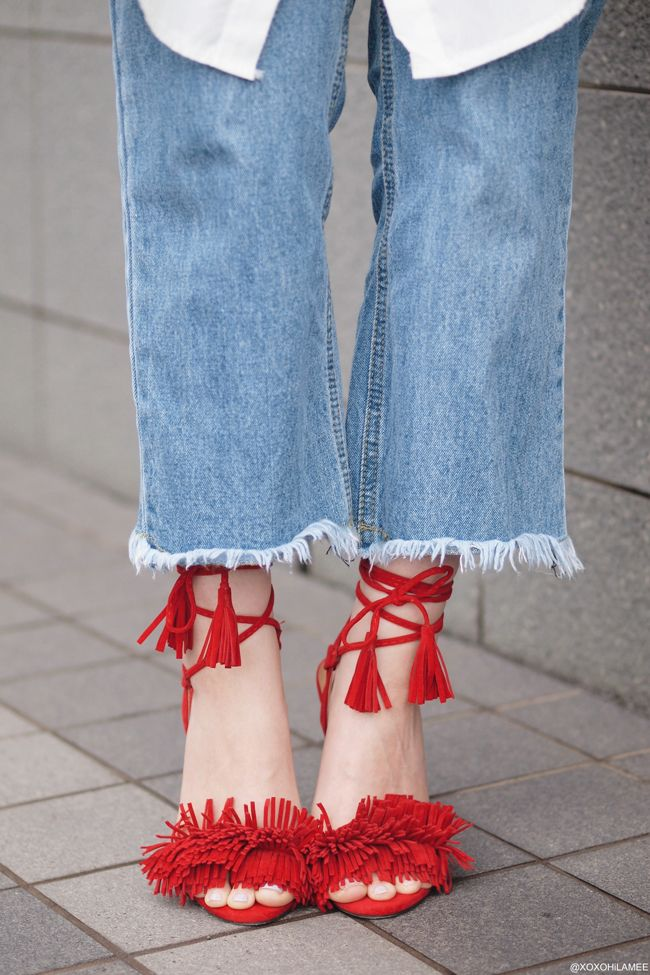 xoxoHilamee:Marine jacket,Shirt dress,FLAYED HEM JEANS,RED fringed sandals,trendy outfit xoxoHilamee:Marine jacket,Shirt dress,FLAYED HEM JEANS,RED fringed sandals,trendy outfit #streetstyle #Japanesefashion #blogger #ootd #outfit #xoxoHilamee #MizuhoK #ストリートスナップ #コーデ #ファッションブロガー #コーディネート #ファッション #マリンジャケット #白シャツ #シャツワンピース #フリンジサンダル #フレイドヘムジーンズ #切りっぱなしジーンズ