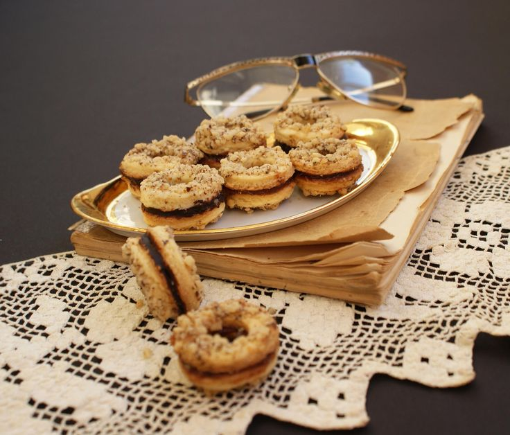 Reteta Rotite cu nuca si marmelada - Prajituri