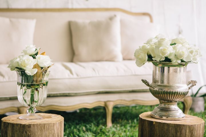 Wedding Lounge Area // Ali + Drew // Coordination by Wild Heart Weddings // Photography by White Images Photography // Styling by Simply Style Co.