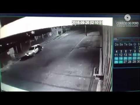 Motorista é baleado e dirige até a Academia da Brigada Militar para pedir ajuda - YouTube