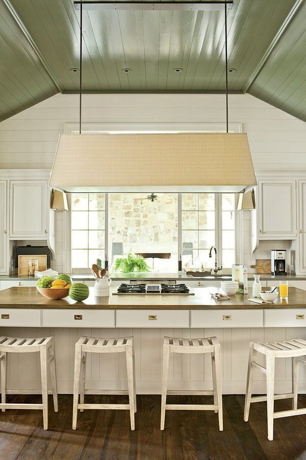 benjamin-moore-galapagos-green-ceiling-paint-high-gloss-architect-bill-ingram-Laurey W. Glenn-photo