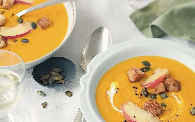 Kürbis, Apfel und Lauch – was braucht eine leckere Suppe im Herbst schon mehr?
