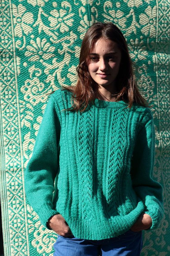 Pull femme vert menthe/ tricoté main/ vintage 80'/Torsadé