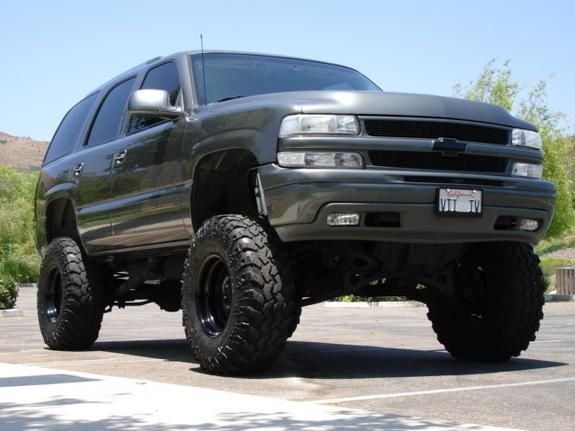LIFTEDCHEVY.COM » Lifted Chevy Trucks » Lifted Chevy Tahoe with Suspension Lift