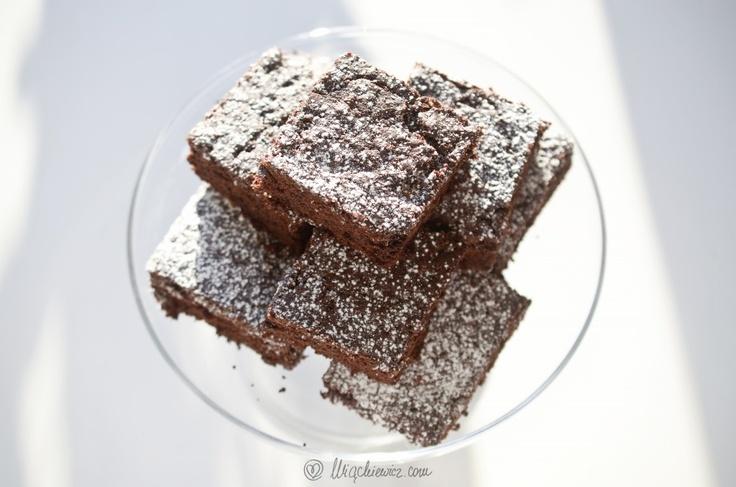 Help, ajuto, pomocy! Mamy problem z cyklu: w poszukiwaniu idealnego smaku. Jakie są cechy IDEALNYCH brownies? Mamy kilka dobrych przepisów, ale żaden z nich nie jest idealny. Kiedyś udało nam się spróbować 'perfect brownies' i chcemy tamten przepis odtworzyć!