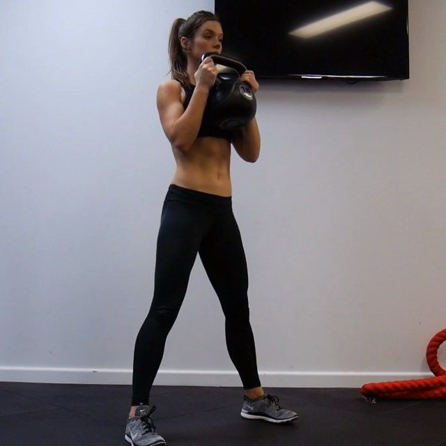 Goblet Squat Twist ⭐️ Threaded Lunges ⭐️ Kettle bell Swings ⭐️ Kettle bell Clean  16-20 total of each. 4 rounds  @achieving_balance