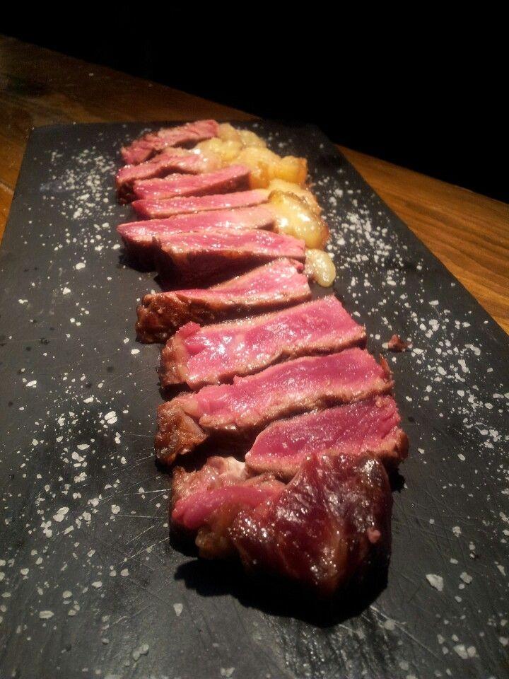 Nuestro entrecot de buey. 16,00 € Especialidades en cocina vasca y carnes de calidad.