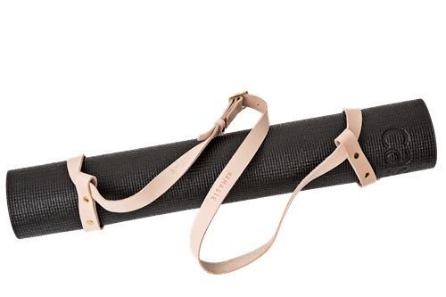 Namastay yoga strap • Naturfarvet læder og messingdetaljer