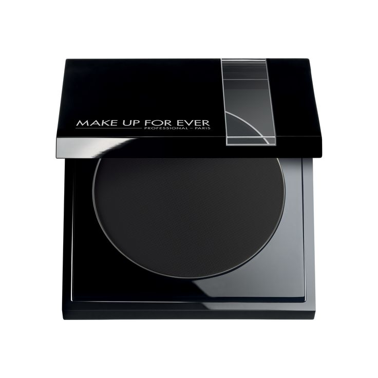 The Cake eyeliner is a compact eyeliner. Its highly-pigmented pressed powder can be applied with a damp brush.