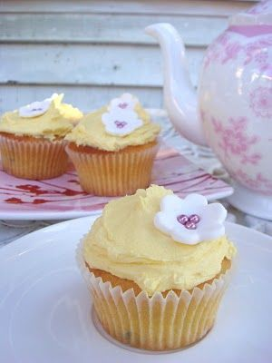 butter hearts sugar: Passionfruit Cupcakes.