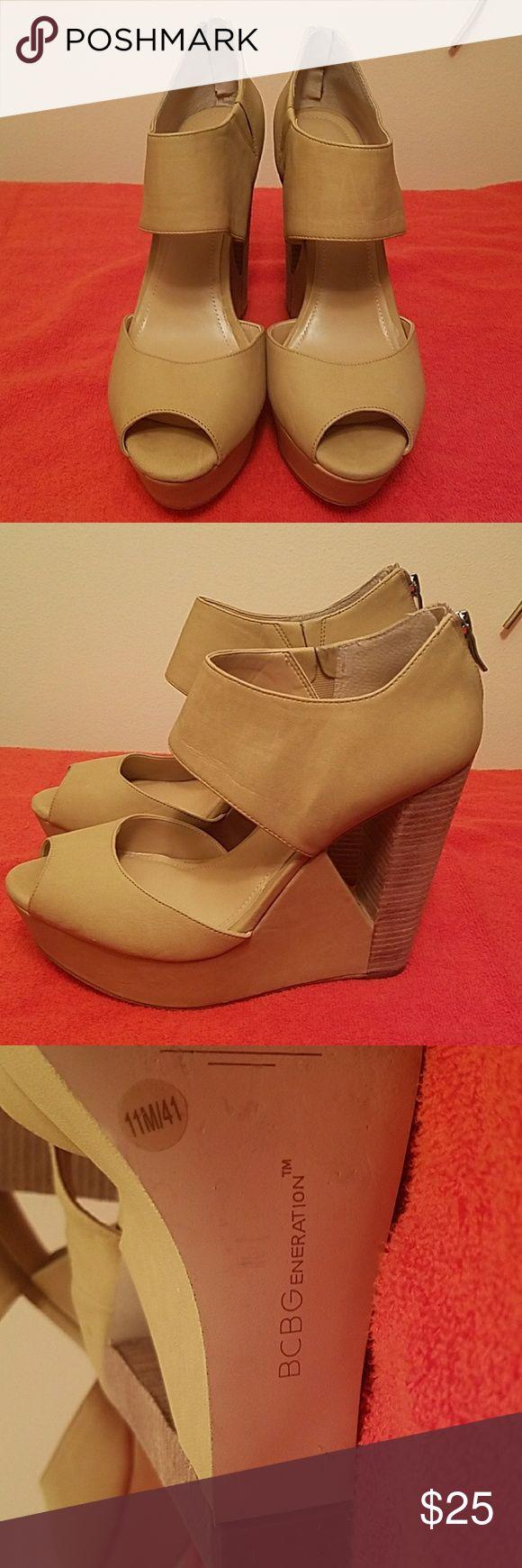 BCBG Generation Velara Platform Wedge Shoes Size 11...Great Condition BCBGMaxAzria Shoes Wedges