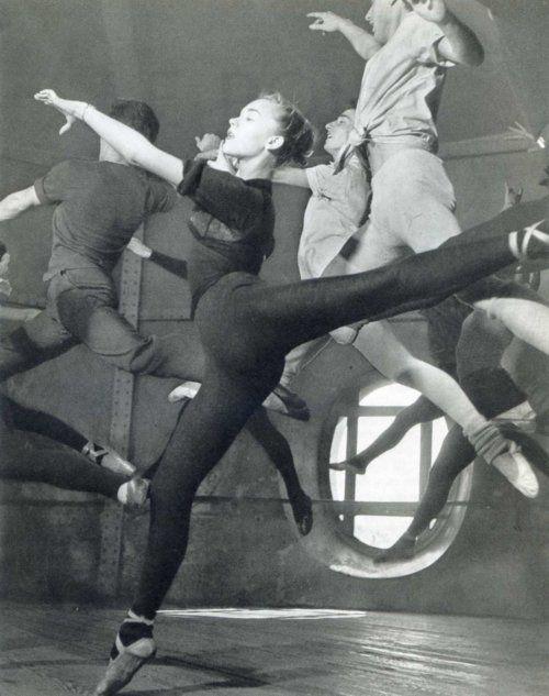 Paris Ballet by French photographer ROBERT DOISNEAU