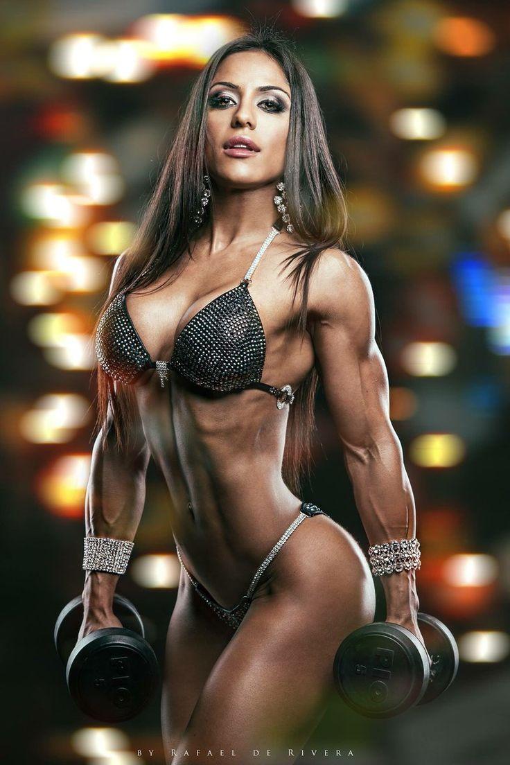 Bikini fitness in woman