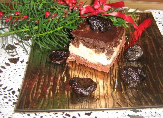 Ciasto ze śliwką kalifornijską.