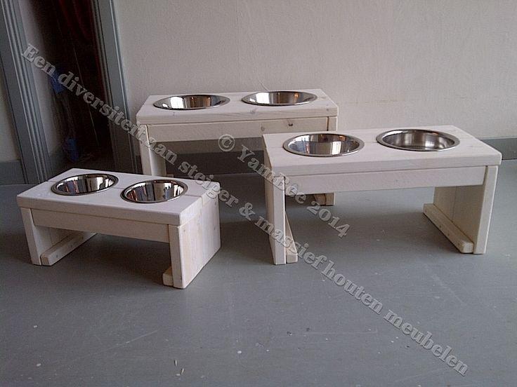 """Steigerhout voedertafel """"Small, Medium en Large""""  Voor meer informatie kijkt u dan op: www.yambee.nl Of stuurt u ons een mail met uw vraag naar: info@yambee.nl"""