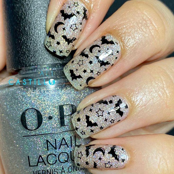 Fledermäuse Monde Sterne 31 Tage Nail-O-Ween! Verwendete Produkte: @HelloManiology stamping …   – Nailfie
