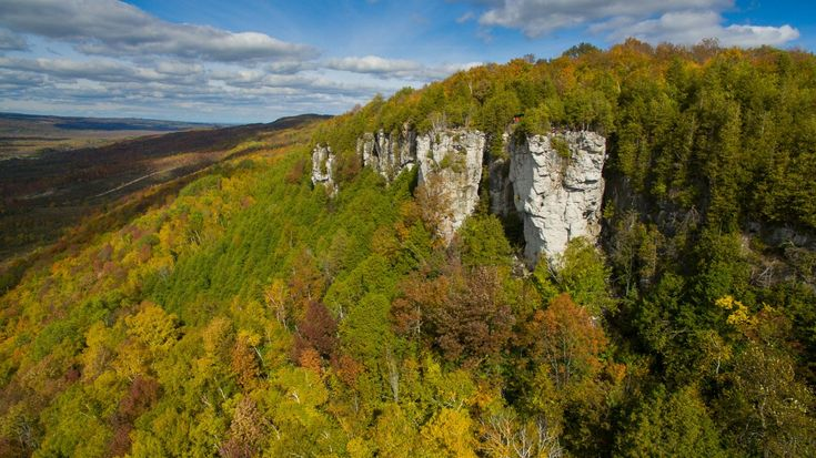 Grey County has a big backyard to explore. From culinary quests to outdoor adventure, here are 8 fabulous fall experiences for your next visit.