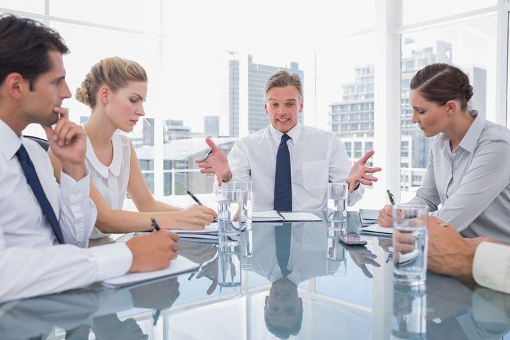 Mit Leistungen und Engagement können Sie Ihren Chef für sich gewinnen, aber manche Verhaltensweisen will kein Vorgesetzter sehen...