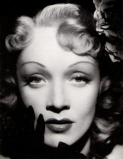 Marlène Dietrich 1945