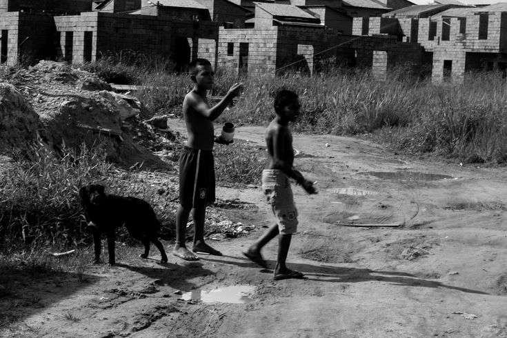 https://flic.kr/p/vtFCHr | Street Photography. Barca boys of the village. Garotos da Vila da Barca. Vila da Barca. Barca Village. Fotografia de Rua. Belém, Pará, Brazil. Photographer Luxã Nautilho | Street Photography. Barca boys of the village. Garotos da Vila da Barca. Vila da Barca. Barca Village. Fotografia de Rua. Belém, Pará, Brazil. Photographer Luxã Nautilho