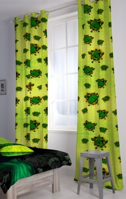 Let your child know the hulk story from his bedroom itself.    http://www.babyoye.com/hulk-curtain-green.html