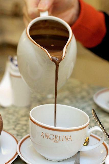 Chocolat chaud salon de the angelina paris france french macaroons pinterest - Salon de the angelina paris ...