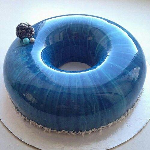 Blue mirrored cake!