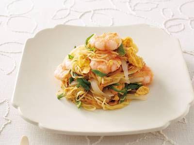 塩焼きそば レシピ 菰田 欣也さん|具材の彩りとうまみが引き立つ、シンプルな味つけ。プリプリのえびとふわふわ卵の食感がたまりません!
