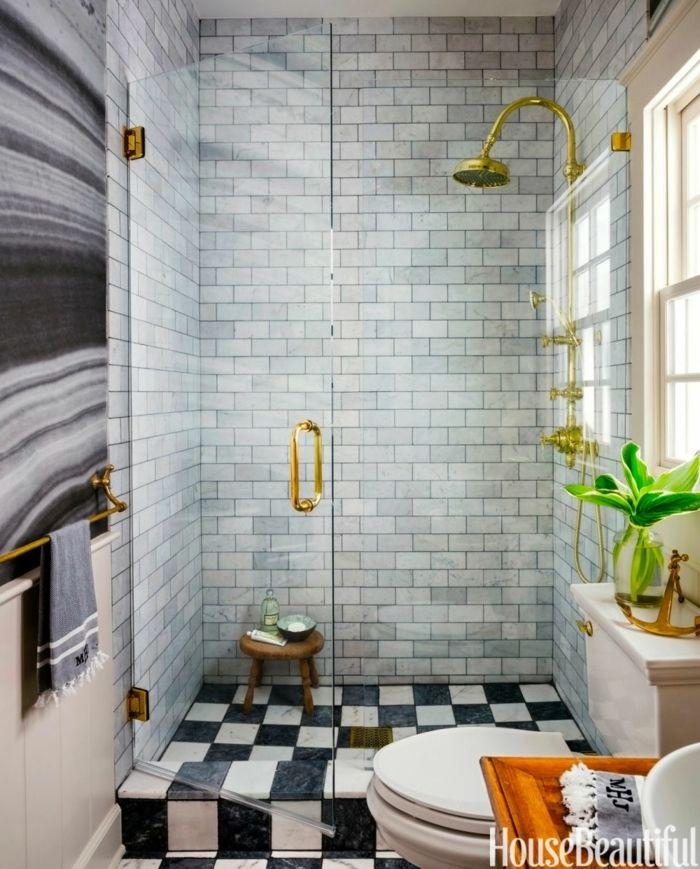 decoracion baños, ducha de oro acento, planta verde, color gris
