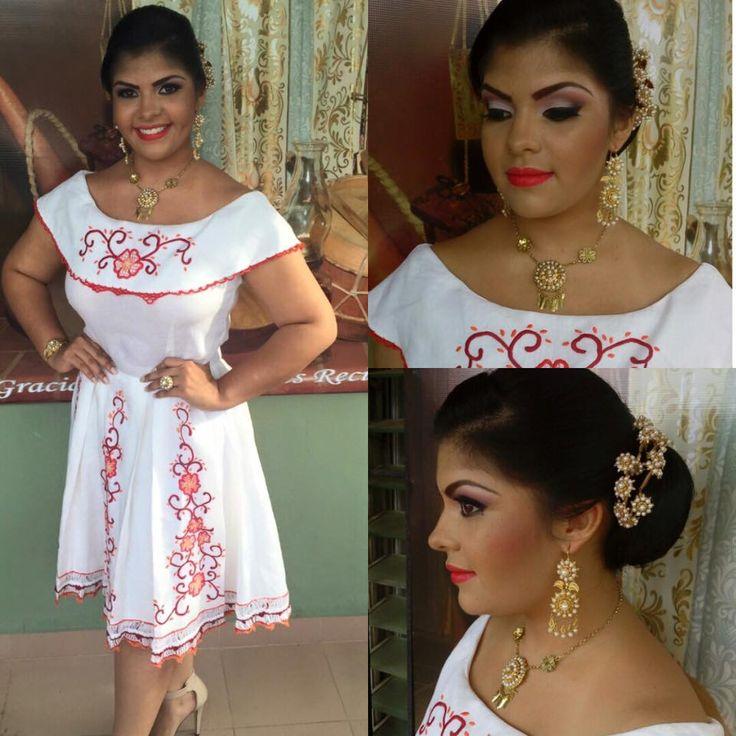 Estefany Pinzón, Reina de la Mejorana 2015 con un #vestidoestilizado