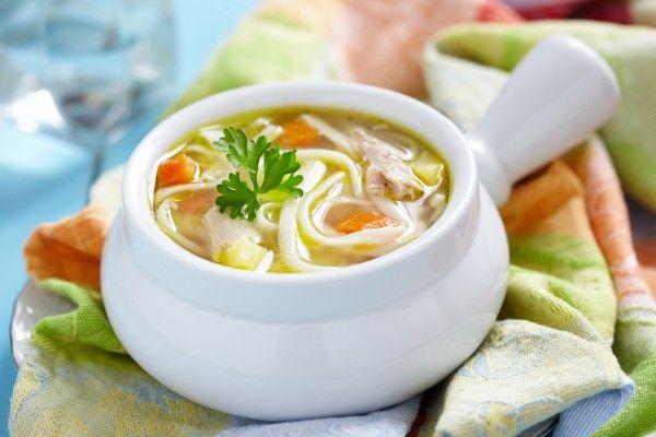 Куриный суп с лапшой и овощами, ссылка на рецепт - https://recase.org/kurinyj-sup-s-lapshoj-i-ovoshhami/  #Супы #блюдо #кухня #пища #рецепты #кулинария #еда #блюда #food #cook