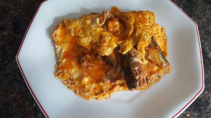 Tortilla de sardinas con tomate ..