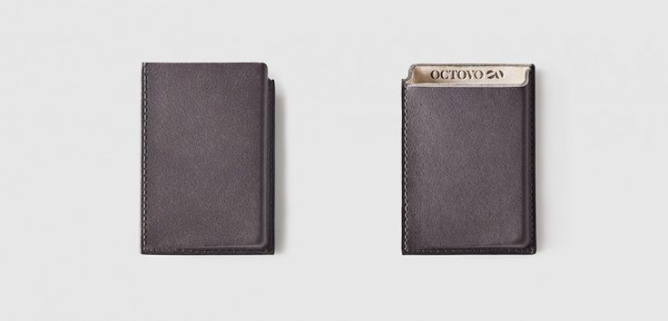 Tuğla benzeri büyüklükte olan ve içinde para dışında her şeyin taşındığı Erkek cüzdanlarına artık son vermenin vakti çoktan geldi: #erkex #cüzdan #kartlık #kredikartlık #octovo #cardcase #stil #style #menstyle