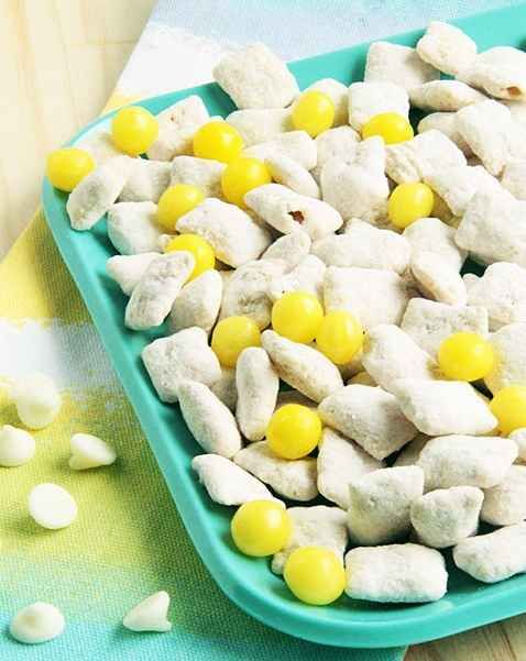 Lemon Puppy Chow | 23 Unique And Delightful Spring Fruit Recipes
