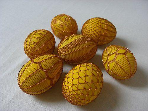 Vajíčka zdobená drátkem