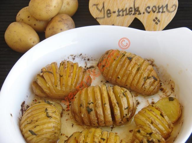 Fırında Tereyağlı Taze Patates ✿ ✿ Fresh Baked Potato with Butter Recipe