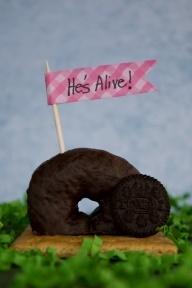 Jesus is alive! Easter snack! Cute.