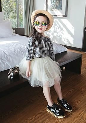 Can't decide if she wants to be a rock star or a ballerina? Give her best of both worlds with this ultra chic tutu skirt- Vogue cover page guaranteed. BW-AS-EBSQ129