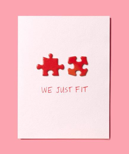 Use puzzle pieces to make this easy DIY Valentines Day card! #diy #valentinesday #jigsawpuzzles Love this because we're always doing puzzles together!