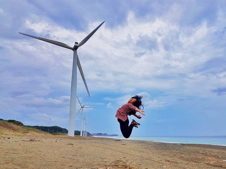 Wingardium Leviosa!  #itsmorefuninthephilippines #bangui #ilocosnorte #traveler #summer2017 #jumpshot #photography #mobilephography #travelgram #instatravel #cebuana #ootd #summer #gay #asian #lgbt #philippines #ootd #fashion #fashionblogger #samsunggalaxys7 http://tipsrazzi.com/ipost/1519428699806857426/?code=BUWGFophXjS