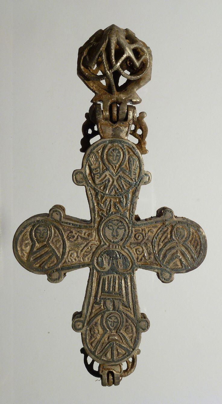 VIKING Reliquary cross