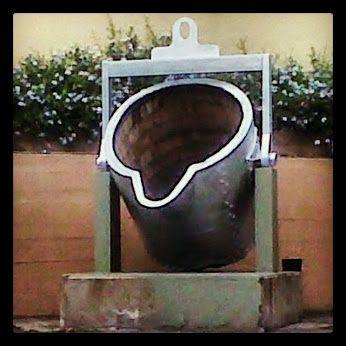Vientre que generas el hierro fundido... #ComplejoSiderurgicoNacional #PlantaAntimano #ParroquiaAntimano #MunicipioLibertador #DistritoCapital #Caracas #Venezuela #hierro #siderurgica #colada #fundicion #hierrofundido #caraqueando #caracasapie #monumento #ElNacionalWeb #compartemovistar #digersvzla #divevenezuela #instaland_ve #metal #igersworldwide #igvenezuela #instacaracas