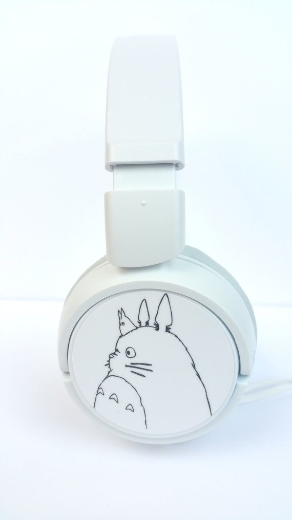 Totoro Headphones are here! With them you can enjoy Miyazaki movies and its soundtrack with excellent sound quality!  Click here to see another model