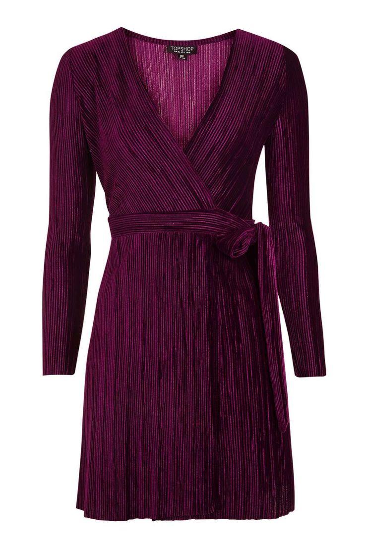 Pleated Velvet Wrap Dress 52€