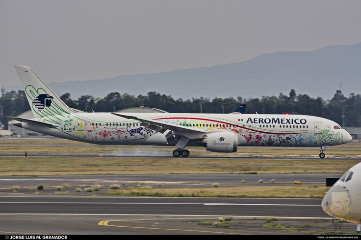"AEROMEXICO ""QUETZALCOATL"" Boeing 787-9 Dream)Liner Registration: XA-ADL Plane age: 0.5 years Location: Mexico City International Airport Date: 07/05/2017 19:09:34 hrs."