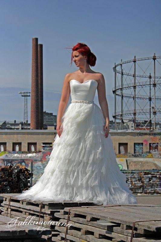 Dress: Eva by Heidi Tuisku, Photo: Emma Nikkanen, Model: Saana, MUAH: Emma Nikkanen