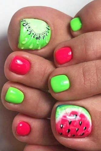 Watermelon-kiwi toe nail design. SO perfect for summer <3
