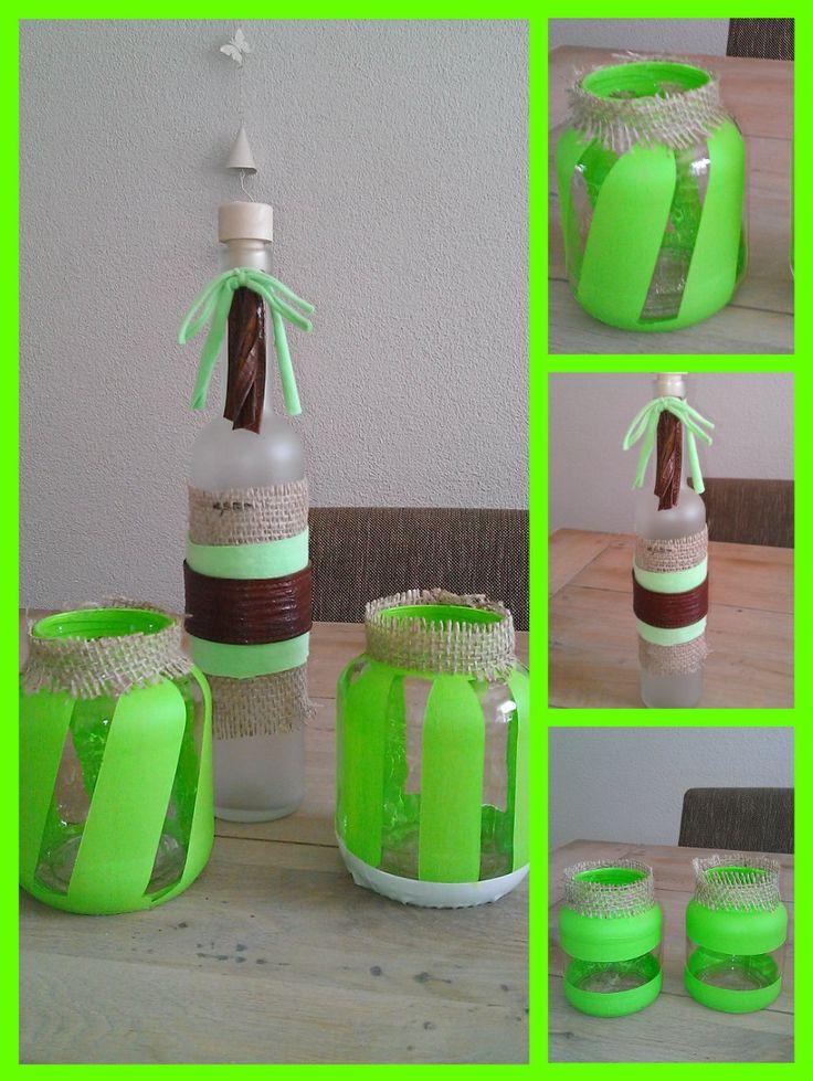 Groen setje gemaakt, potjes geven leuk effect met theelichtje erin en fles heb ik aangekleed met jute, stof van shirtje & leer van een oude tas :)